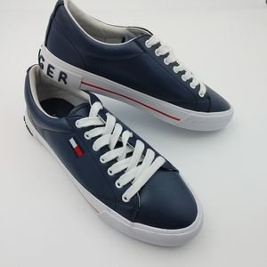 🆕 Tommy Hilfiger sneakers size 8.5